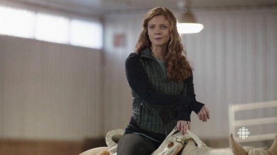 Sandra (Kate Ross).