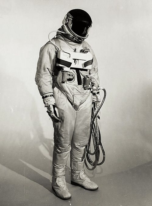 space suits for the moon - photo #26