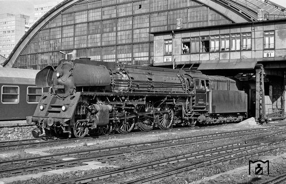 1973 D-338 nach Hamburg in Berlin-Ostbahnhof