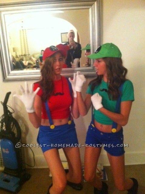 Cutest Last-Minute Mario and Luigi Costumes for Women Wonder woman - last minute halloween costume ideas teens