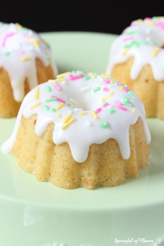 Lemon Ginger Bundt Cake - a sweet cake full of lemon flavor and topped ...