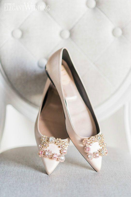 Sparkly Bridal Flats Pink Wedding Flats Bridal Flats Flat Wedding Shoes Roger Vivier Elegantwedding Ca Weddingfl Bridal Shoes Bridal Flats Wedding Flats