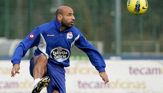 Manuel Pablo (Depor, 1998) y los 10 jugadores que más tiempo llevan en el mismo club: