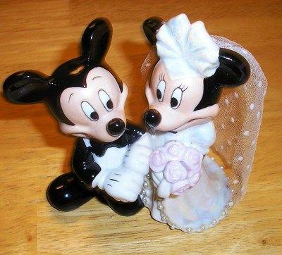 Perfect for your #Disney #Wedding Minnie and Mickey Mouse Ceramic Wedding Cake Topper,#Disney #Disneyfairytaleweddings  #CakeTopper