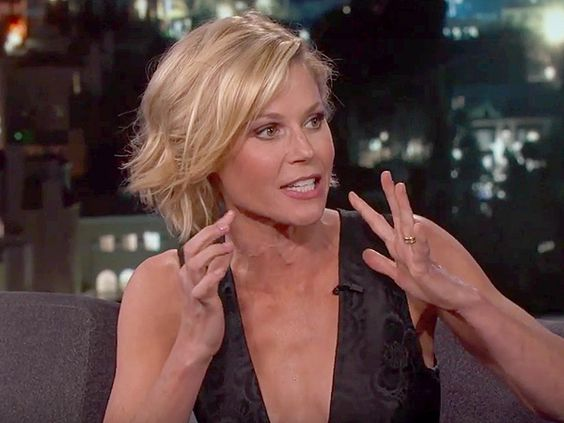 Julie Bowen Shares Just How Tech Savvy Her Sons Are (Then Tries to Recognize Her Boys While Blindfolded!) http://celebritybabies.people.com/2016/05/05/julie-bowen-sons-website-jimmy-kimmel/