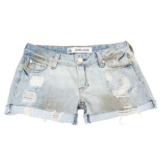 Shorts jeans com desfiado