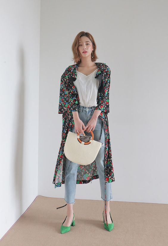Floral Frilled Collar Robe Coat | STYLENANDA