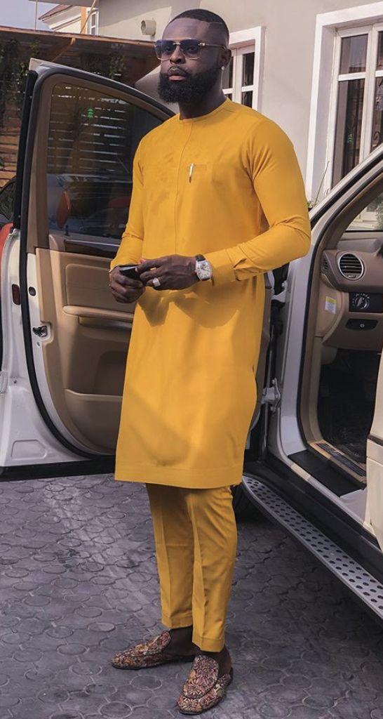 Yomi Casual In 2020 Fashion Suits For Men Nigerian Men Fashion African Dresses Men