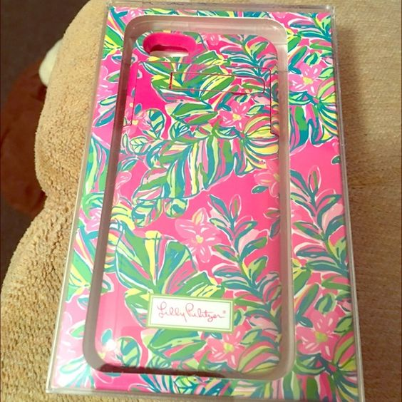 Lilly Pulitzer External Battery Case Lily Pulitzer external battery case for iPhone 5/5s. Pattern Jungle Tumble. Extends the life of a phone for up to 5 hours. Only used for around 2 months total. Lilly Pulitzer Accessories Phone Cases