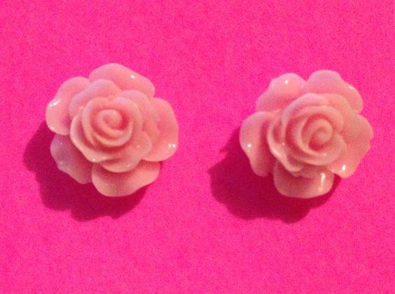 Light pink flower earrings $3