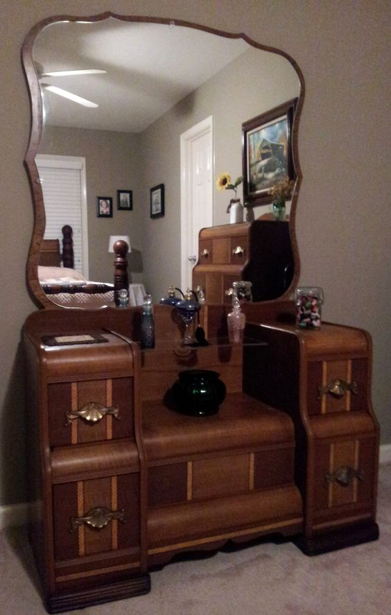 1930 S Waterfall Vanity Furniture Pieces I Love