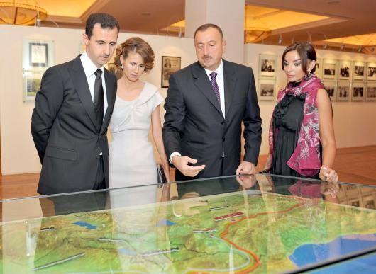الرئيس الأسد والسيدة عقيلته يزوران مؤسسة حيدر علييف في باكو اكتشف سورية Asma