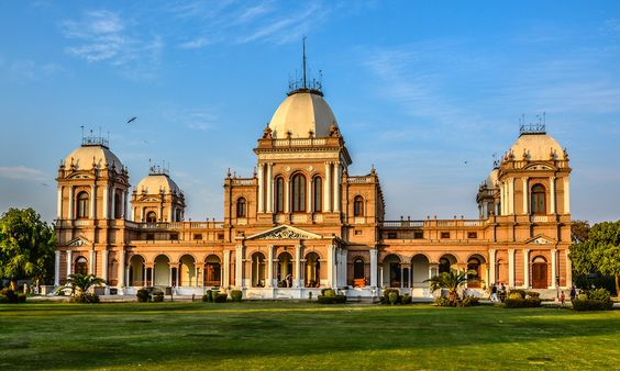 Top 10 pictures from Pakistan - Noor Mahal in Bahawalpur. —Photographed by Muhammad Ashar