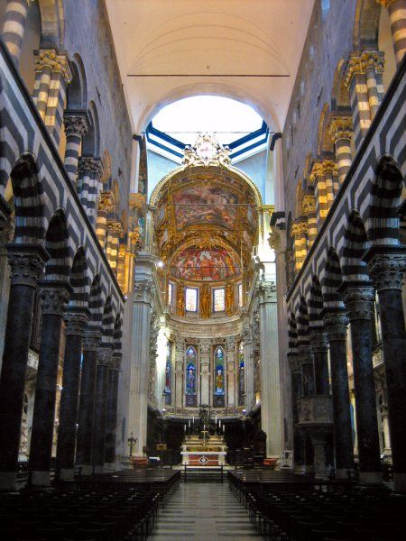 Florence Cathedral: Polychromic banding, vaulting and arcade.  Stained glass panels.  The Tuscan style is more massive than the western European Gothic style of it's time.