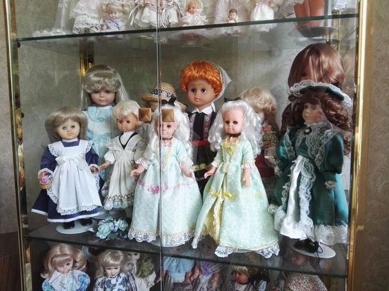 Puppensammlung mit Schrank aus Nachlass für Sammler Liebhaber Porzellan Vitrine   eBay