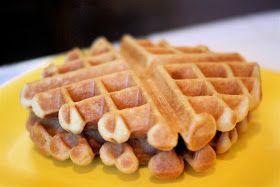 Sarah Bakes Gluten Free Treats: gluten free buttermilk waffles