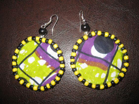 Boucliers d'Oreilles Ethniques avec Tissu Wax et Perles : Boucles d'oreille par ethniz