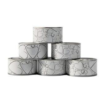 Quel est le symbole ultime de l'amour ? Le cœur, évidemment ! Sur cette boîte de conserve à dragées, vous en trouverez des petits, des moyens et des grands !