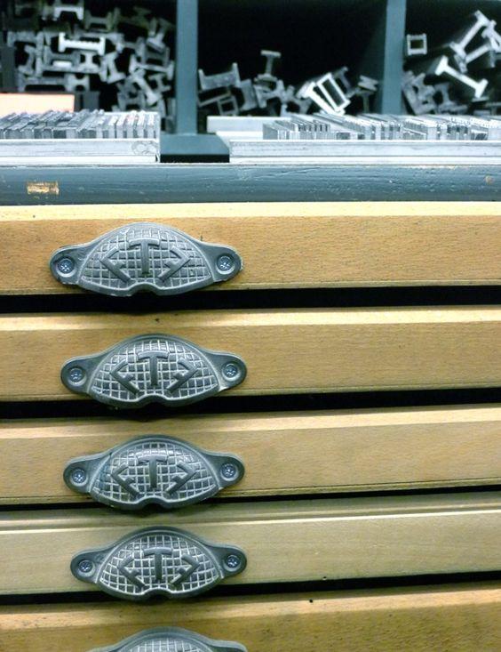 Le Typographe Bruxelles cales et tiroirs