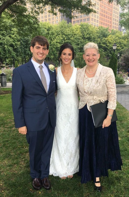 Rev Annie Nyc Wedding Officiant Officiant New York Ny Weddingwire Wedding Officiant Nyc Wedding Wedding Wire