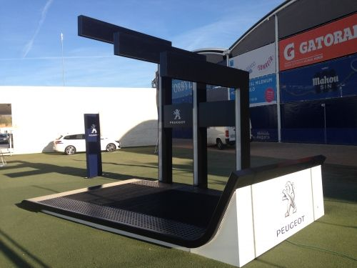 #construction of the permanent platforms at the @ciudadraqueta for the cars of #Peugeot , official sponsor