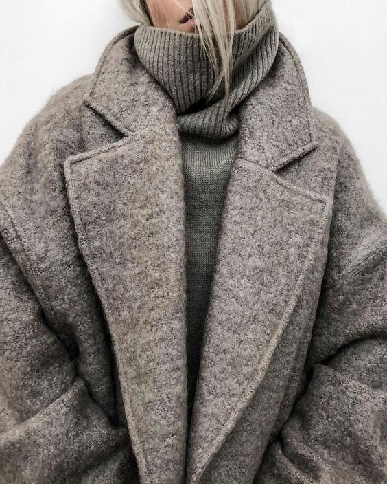 Cozy Outfits l Fall Outfits , Outfit Ideas, Turtle Neck, Grey Coat, Fashion Trends