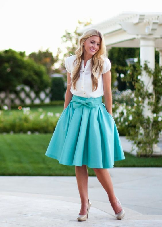 Take A Bow skirt in Mint (leannebarlow.com)