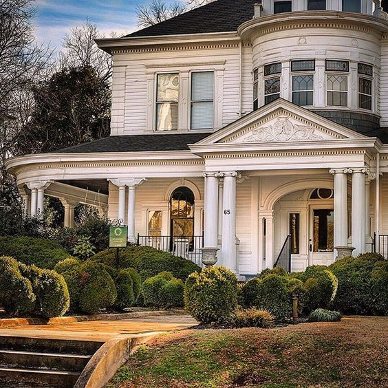 Marietta Georgia Historic Home front porch, white house, architecture, photography of historic southern homes, southern living #architecture #southernliving