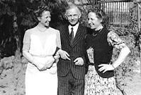 Ruth (right) and Erich Hientzsch and Ruth's twin sister Elsa (left), 1949