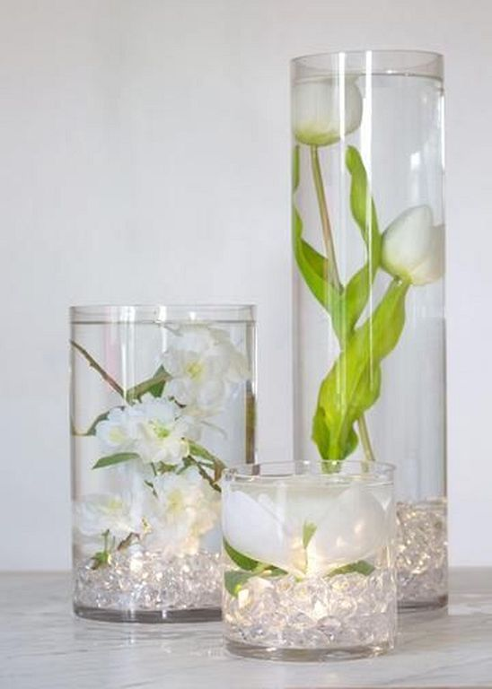 30 Simple Flower Vase Ideas To Refresh Your Room Flower Centerpieces Wedding Wedding Table Centerpieces Glass Cylinder Vases