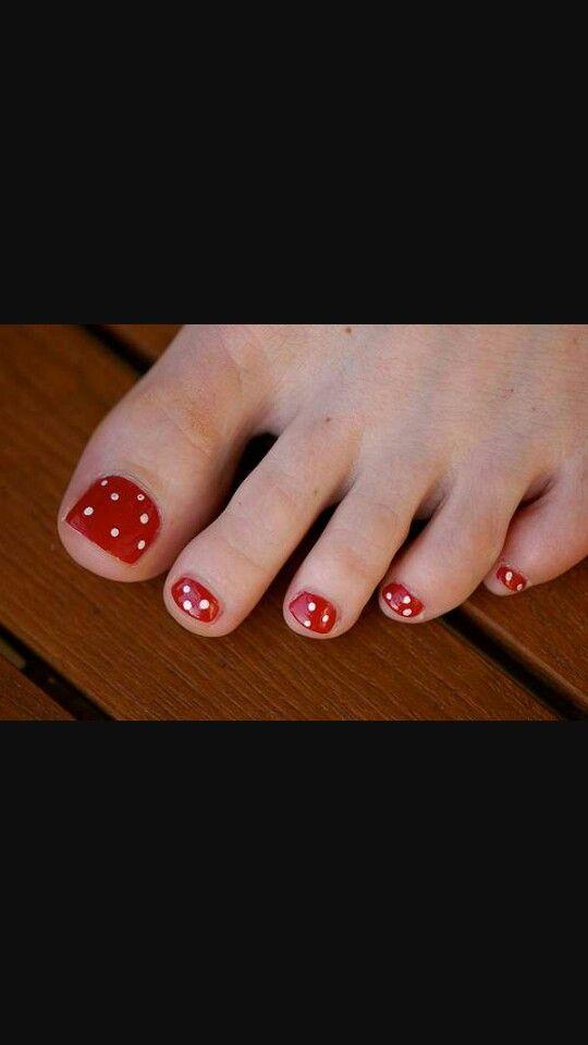 Pretty polka dots toes