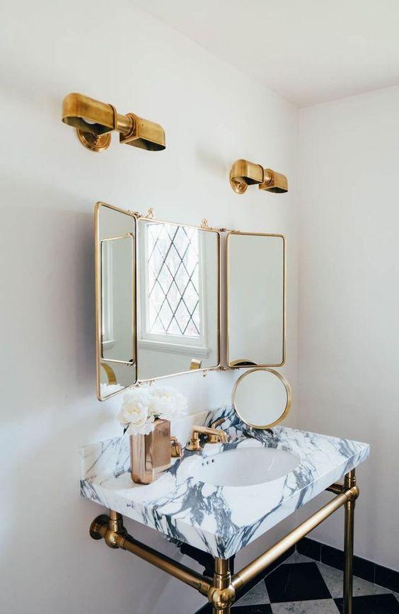 belle salle de bain luxe et déco en couleur doré
