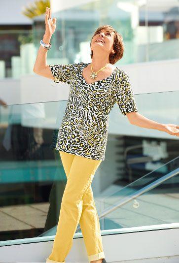 Erleben Sie Paola Felix ganz persönlich! Hier plaudert die modebegeisterte Designerin aus dem Nähkästchen. Erfahren Sie mehr darüber was Paola in ihrem Leben inspiriert: http://www.klingel.de/magazin/mode/paolas-persoenliche-rubrik-im-klingel-magazin/
