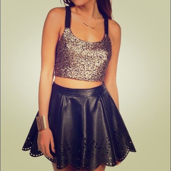 ⚡HOT Erin Klienberg Man Getter sequin semi-crop! New Erin Kleinberg Man Getter Sequin semi Crop new with tags. Perfect for New Years Eve with black pants or skirt!! (As pictured with outfits) so festive!!! Erin Kleinberg Tops