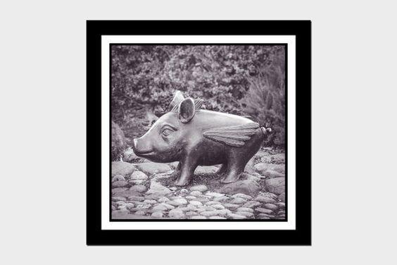 Cuadrito antiguo - imagen de cerdo volador