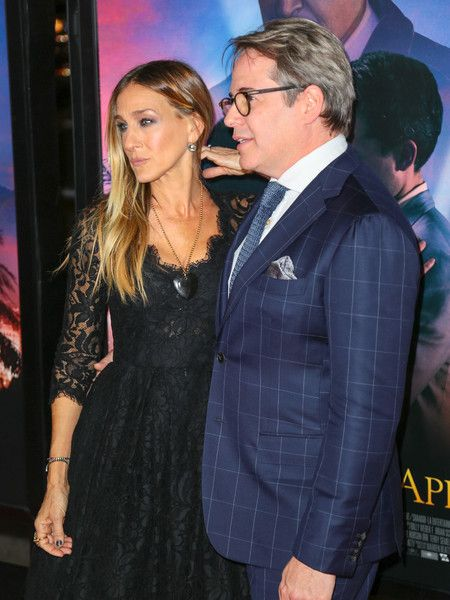 Sarah Jessica Parker Photos Photos - Matthew Broderick and Sarah Jessica Parker are seen attending the AFI Fest Opening Night - Premiere of 'Rules Don't Apply' at TCL Chinese Theatre. - AFI Fest Opening Night - Premiere of 'Rules Don't Apply'