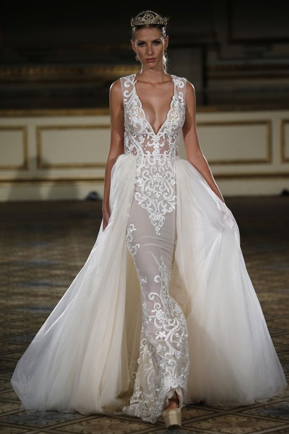 Berta Bridal Fall 2016 [Photo: George Chinsee]