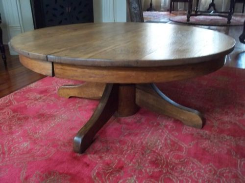 Antique tiger oak round pedestal coffee table 42 for Round pedestal coffee table antique