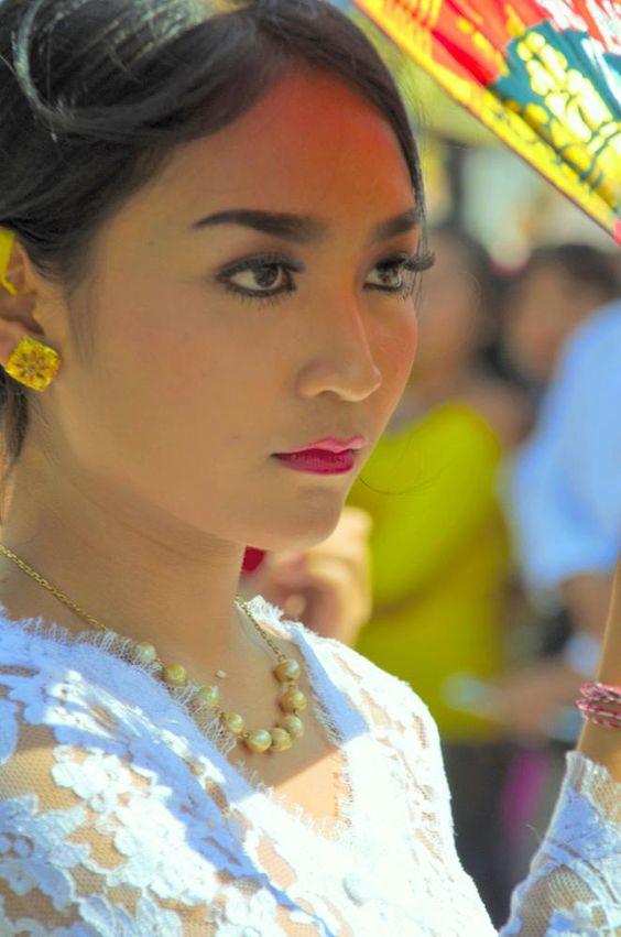 Balinese girl by arthamade