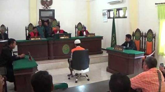 Sidang Putusan Ditunda, Keluarga Korban Desak Terdakwa Dihukum Mati