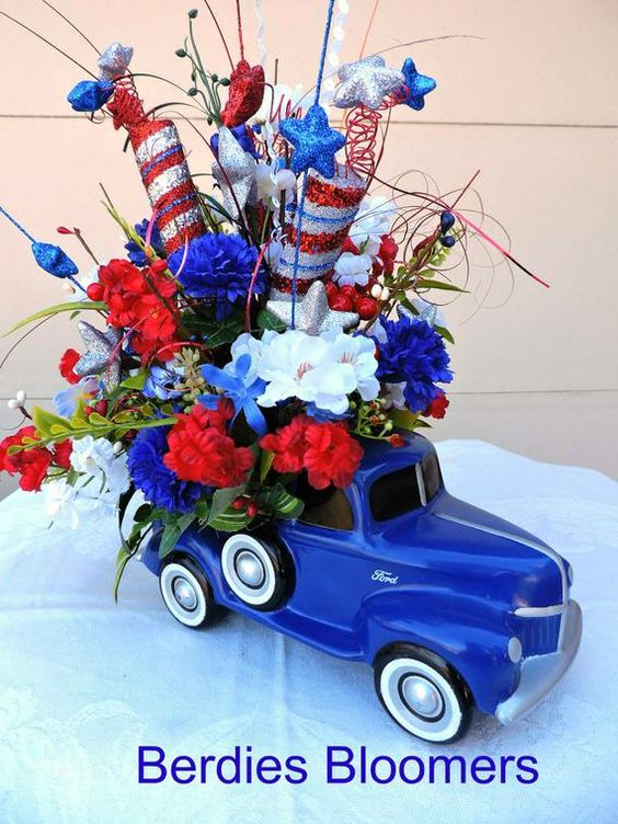 Blue Truck Centerpiece, 4th of July Arrangement, Royal Blue Truck Americana Centerpiece, Patriotic Home Decor, Red, White and Blue Decor