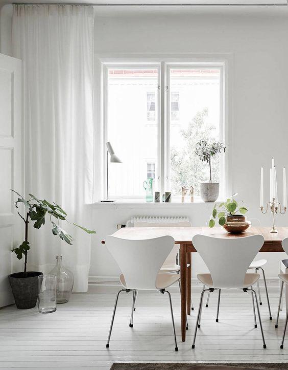 Vintage and bright white - via cocolapinedesign.com