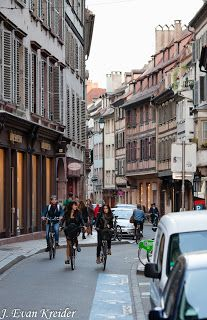 Kreider's Korner Photographs: Strasbourg, people on the street