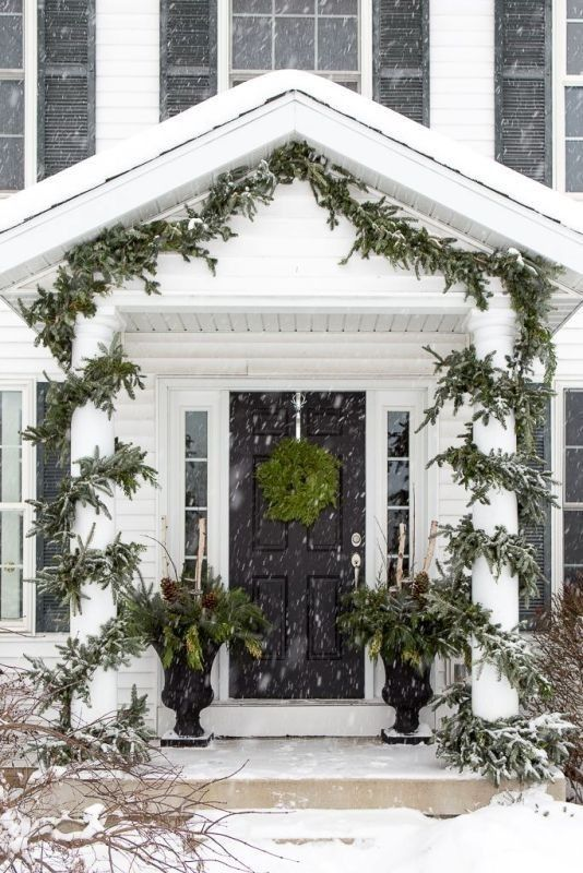 91 Adorable Outdoor Christmas Decoration Ideas In 2020 Christmas Porch Outdoor Christmas Christmas Entry
