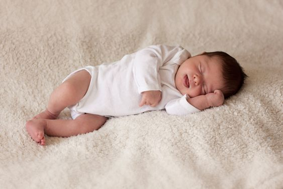 Newborn photography is all about simplicity. These tips for simple backdrops will help you highlight a newborn's features and create meaningful photos.