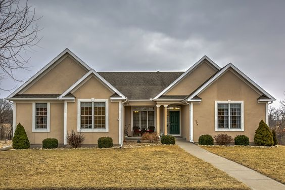Check out this New Kearney Listing from The Harris Group