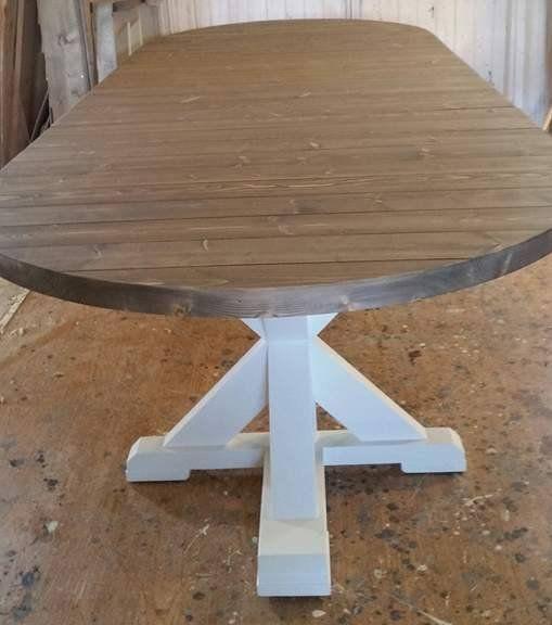 Lager runde bord i ønsket modell, mål og farge. Uttrekksbord