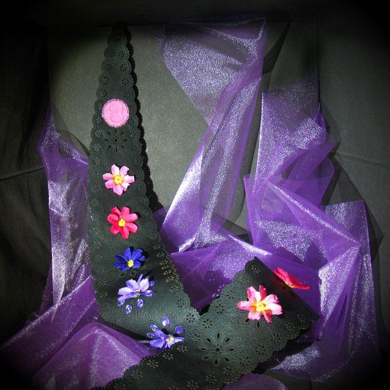 "Flower belt...griffato ""colcuore"" #belt #cintura #fiori #flower #handmade #swarovski#strass #immagination #creation #colcuore #creare #fashion #moda"