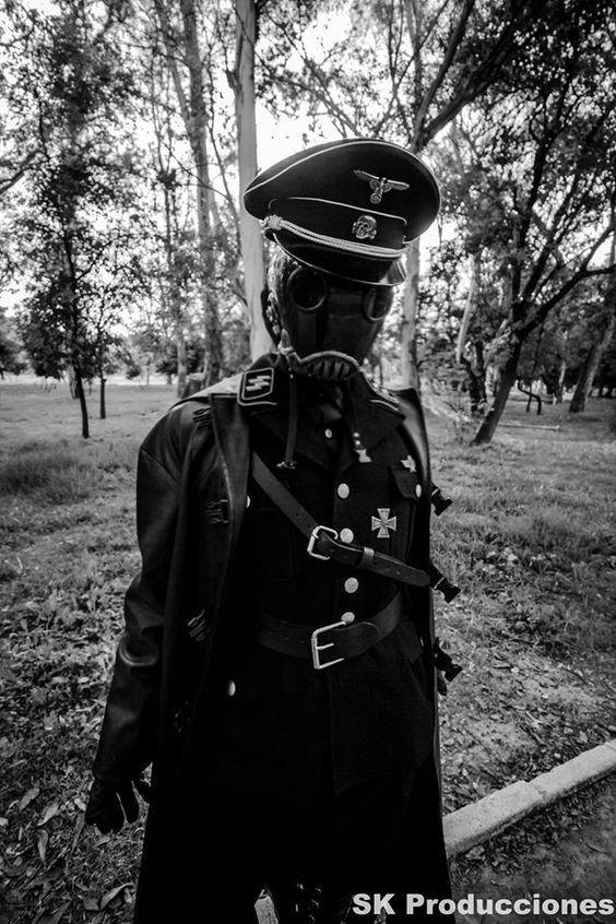 dieselpunk, cosplay hellboy Karl Ruprecht Kroenen sci-fi, steampunk, dieselpunk, SCI FI , WW2 , uniform, World War II , cosplay