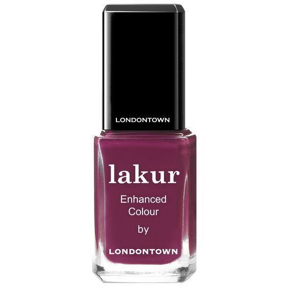 Hit the Portobello Market with this deep warm plum crème that covers in just one coat! LONDONTOWN'S long-lasting, high shine nail lacquers fuse bold colors with enriching botanicals to hydrate and strengthen nails from within, improving nail quality and manicure length with every application. Florium Complex Infused Formula Superior long-lasting wear Chip-resistant shine Vegan, Gluten-free, …